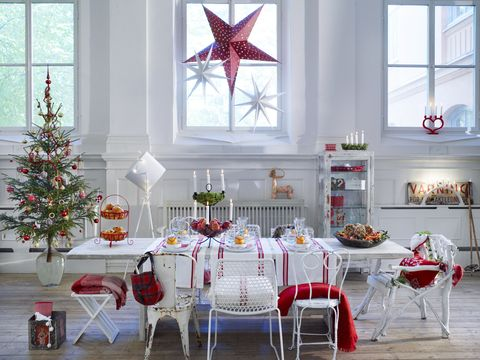 christmas living room with decorations - Christmas Window Decorations