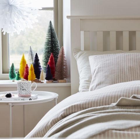 christy bedding and christmas window decoration