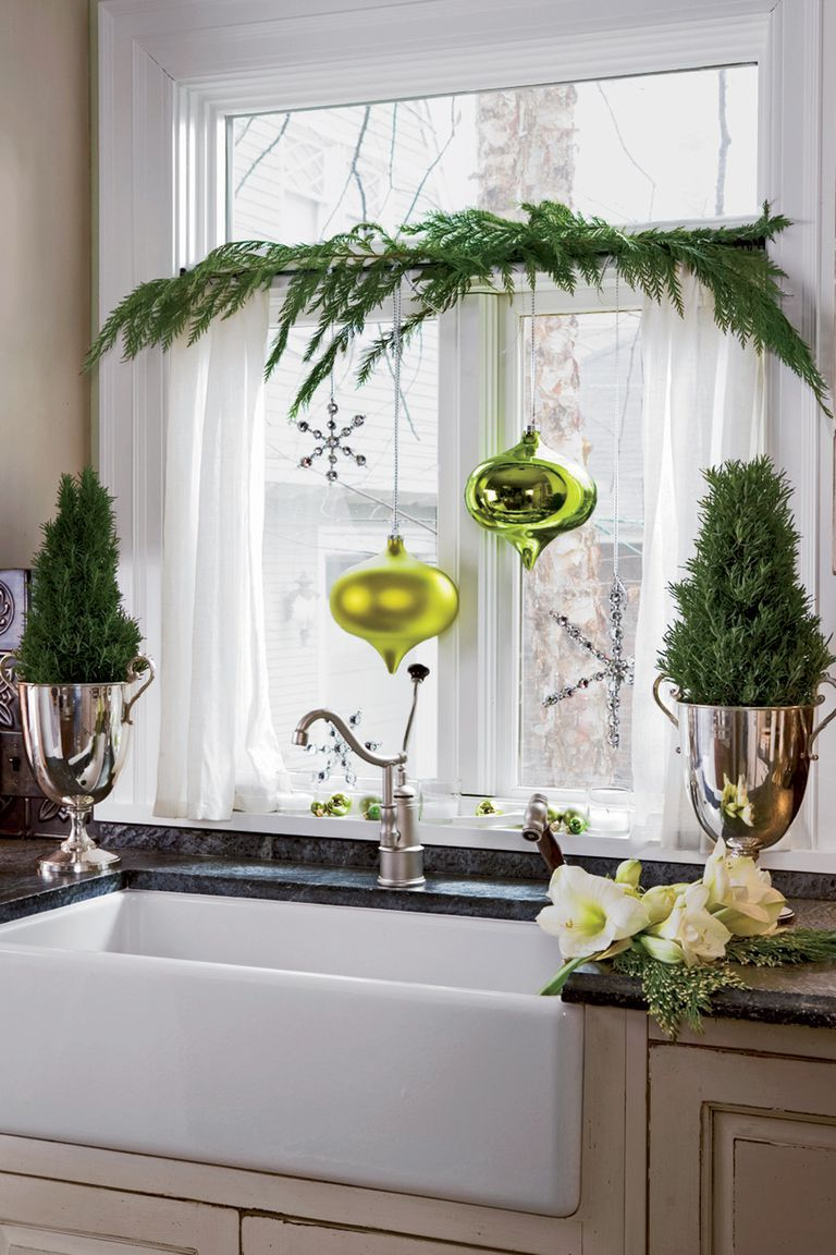 15 best christmas window decorating ideas decorations for holiday windows