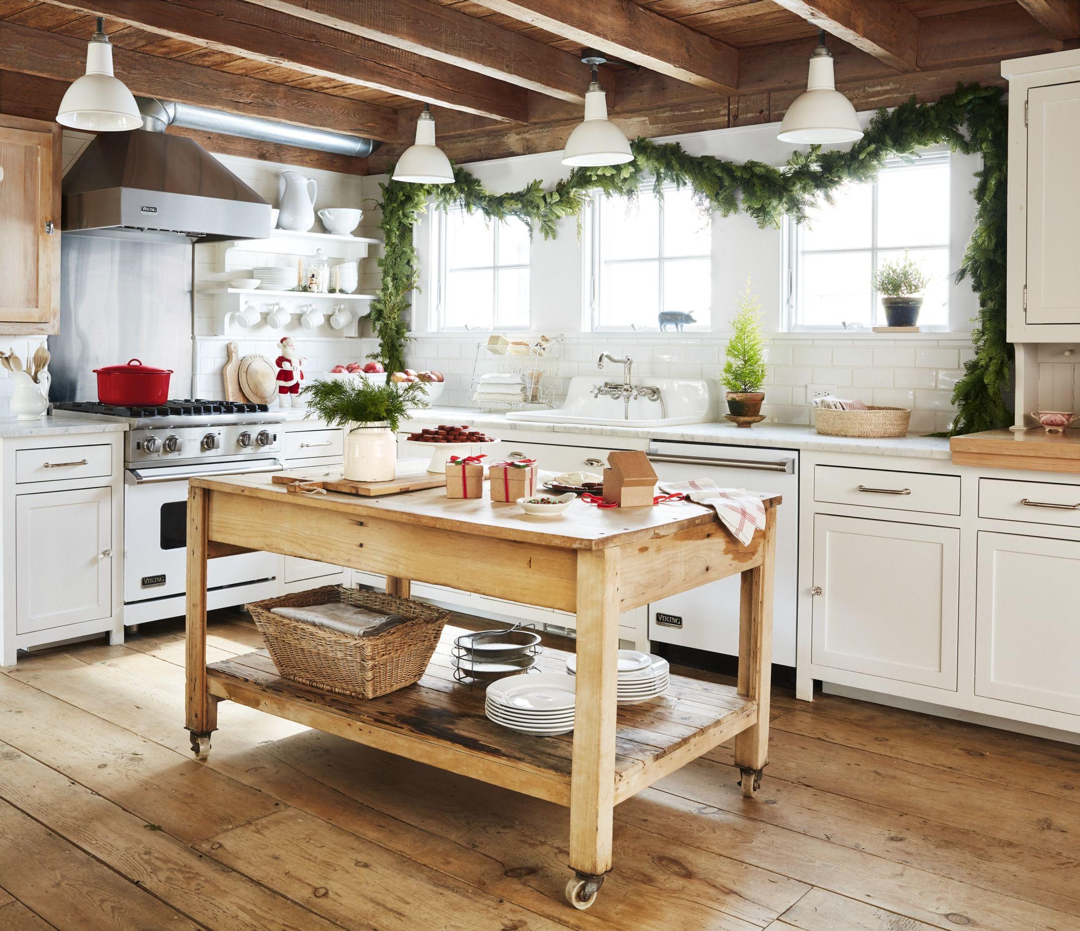 10 Best Christmas Window Decorating Ideas 10 - Holiday Window