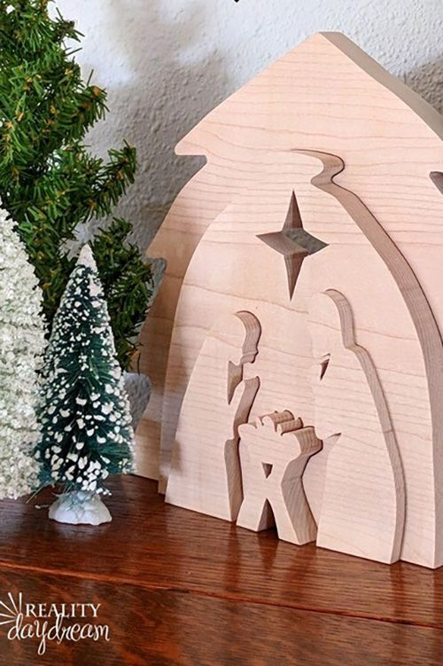 20 Best Christmas Wood Crafts - DIY Holiday Wood Projects ...