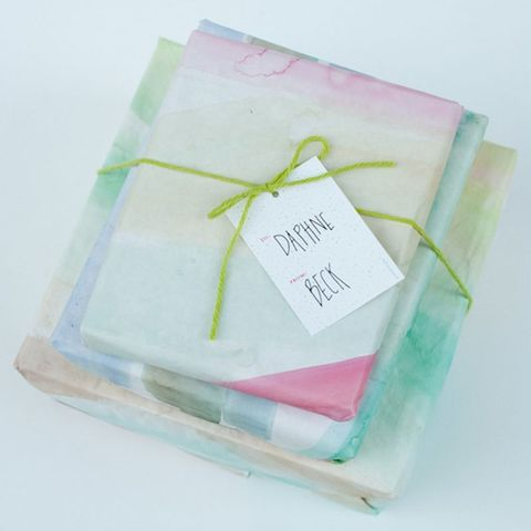 christmas-wrapping-ideas-watercolor-wrapping