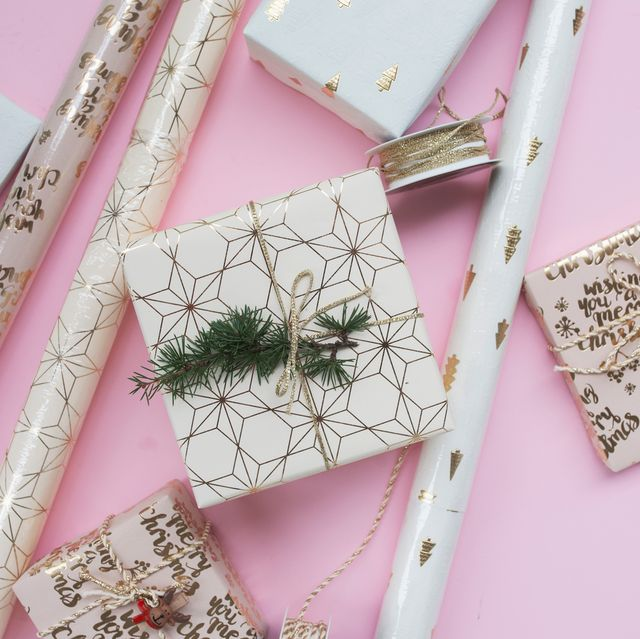 gold and white christmas wrapping paper