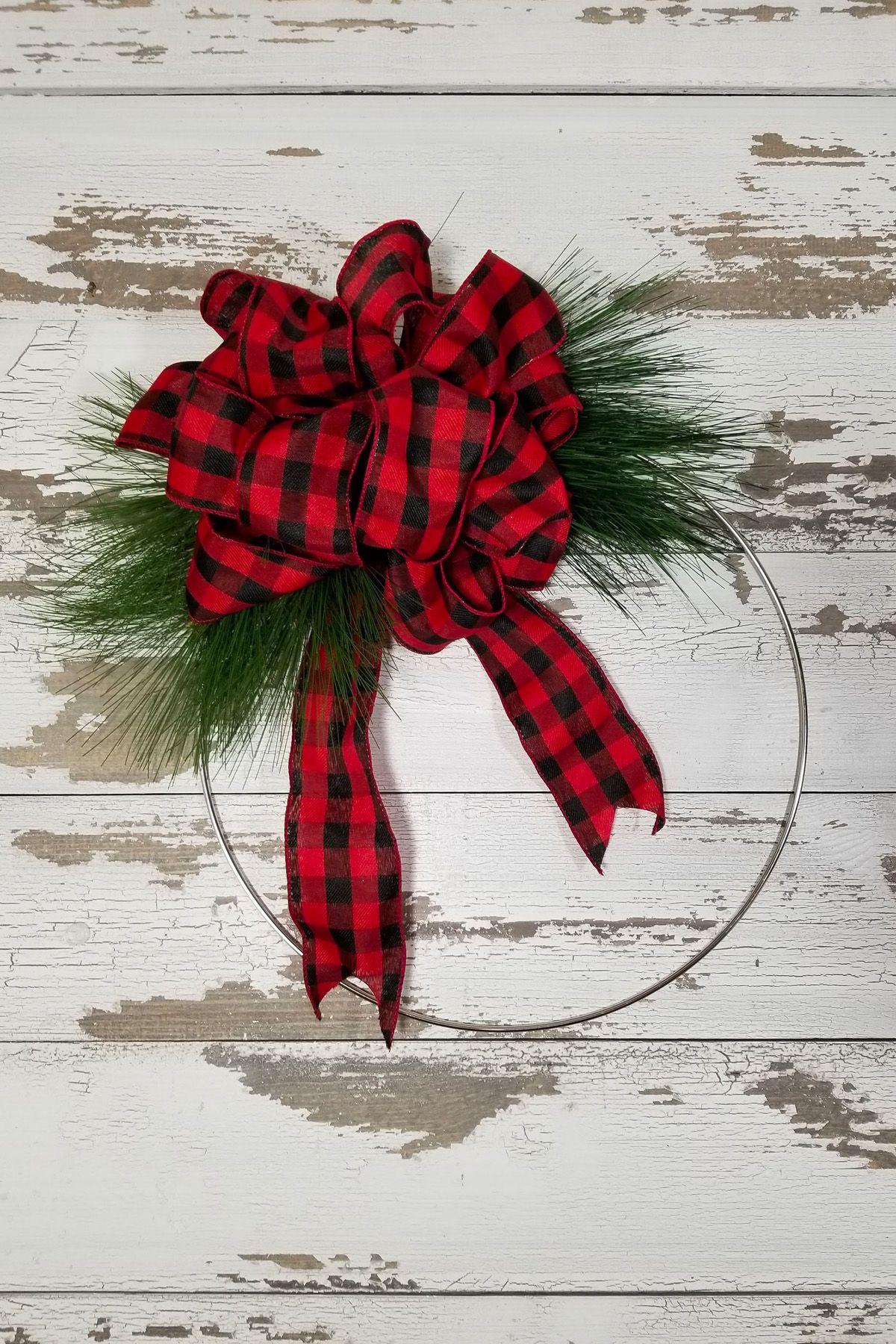 3eb0c1558b4 45 DIY Christmas Wreath Ideas - How To Make a Homemade Holiday Wreath -  WomansDay.com