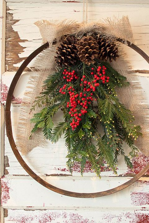 50 diy christmas wreath ideas how to make holiday wreaths crafts