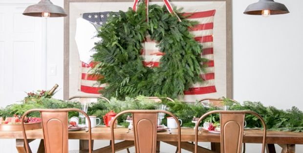 30 Holly Jolly Christmas Table Decorations