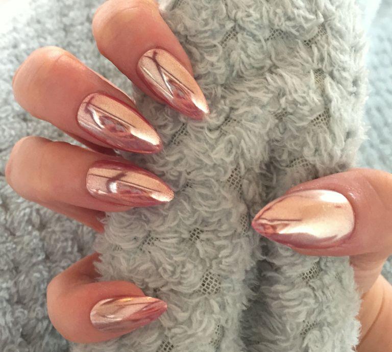 21 Chrome nails - From mirror nail polish to acrylic nail art ideas