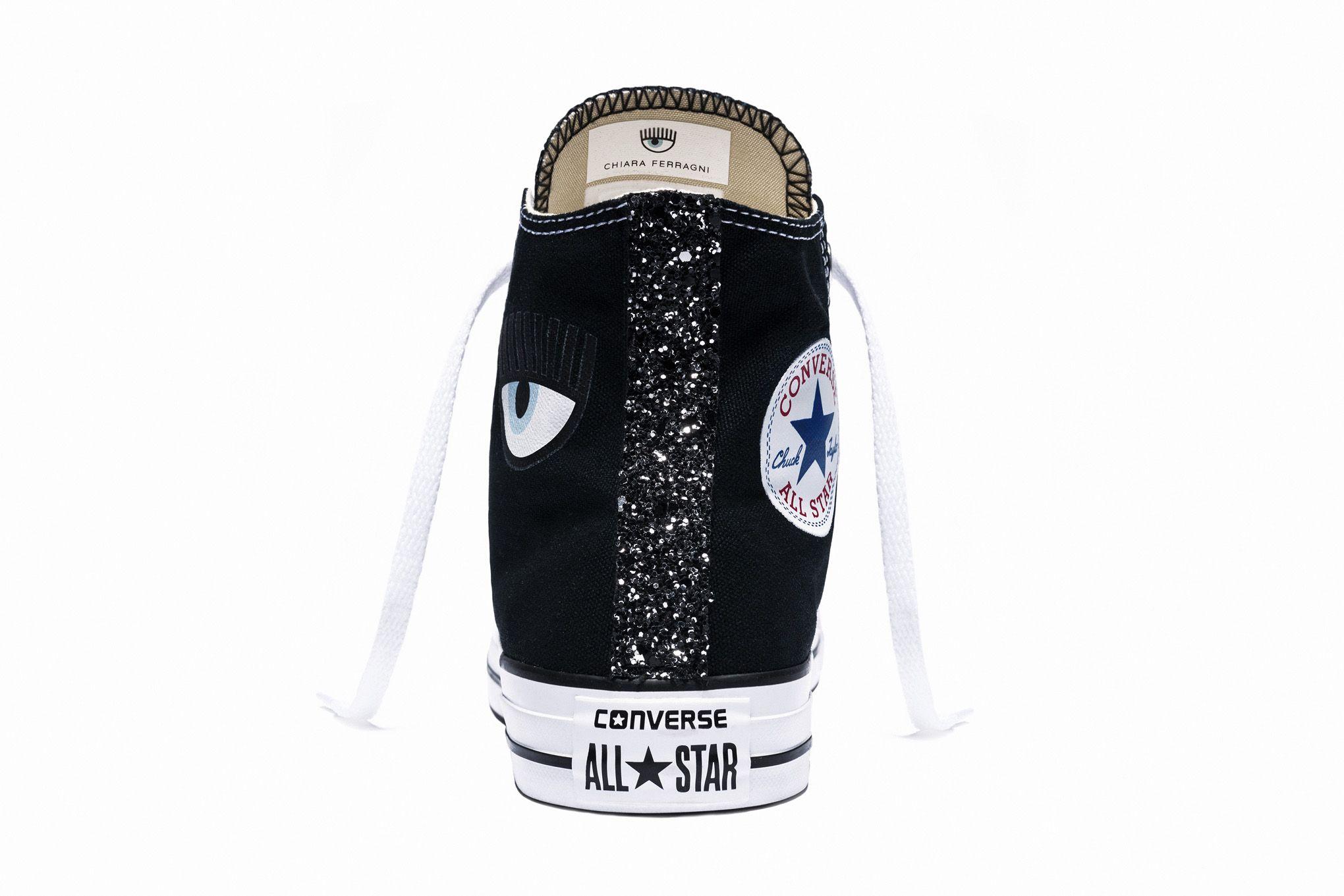 Chiara Ferragni x Converse: guarda da vicino le sneakers glitterate
