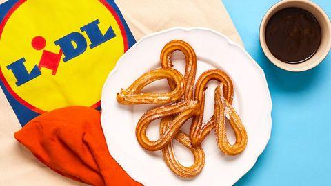 Snack, Pretzel, Font, Cuisine, Food, Linens, Symbol,