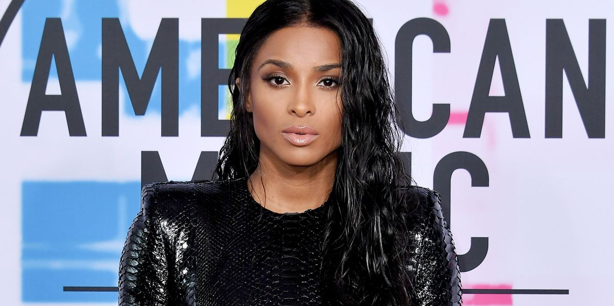 Ciara Looks Sexy Af In Skintight Black Dress At Amas