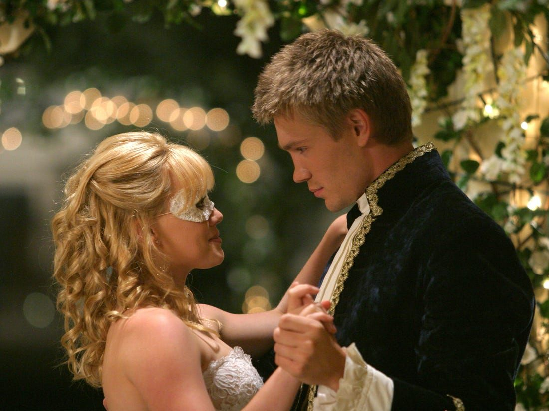 Hilary Duff just discussed A Cinderella Story's biggest plot hole