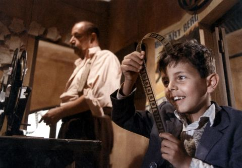 toto con el celuloide en cinema paradiso mejores películas de los ochenta
