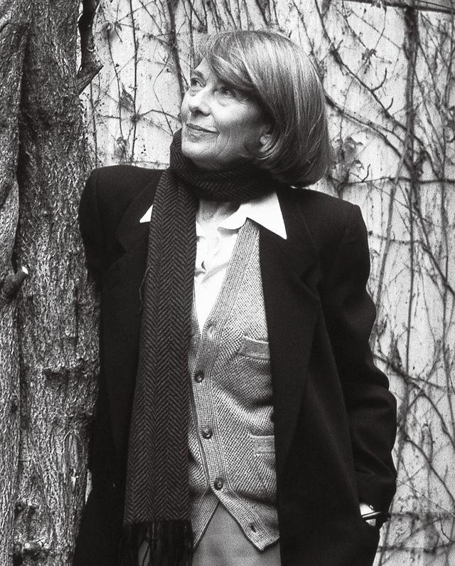 Collar, Coat, Dress shirt, Style, Blazer, Monochrome, Monochrome photography, Street fashion, Tie, Black-and-white,