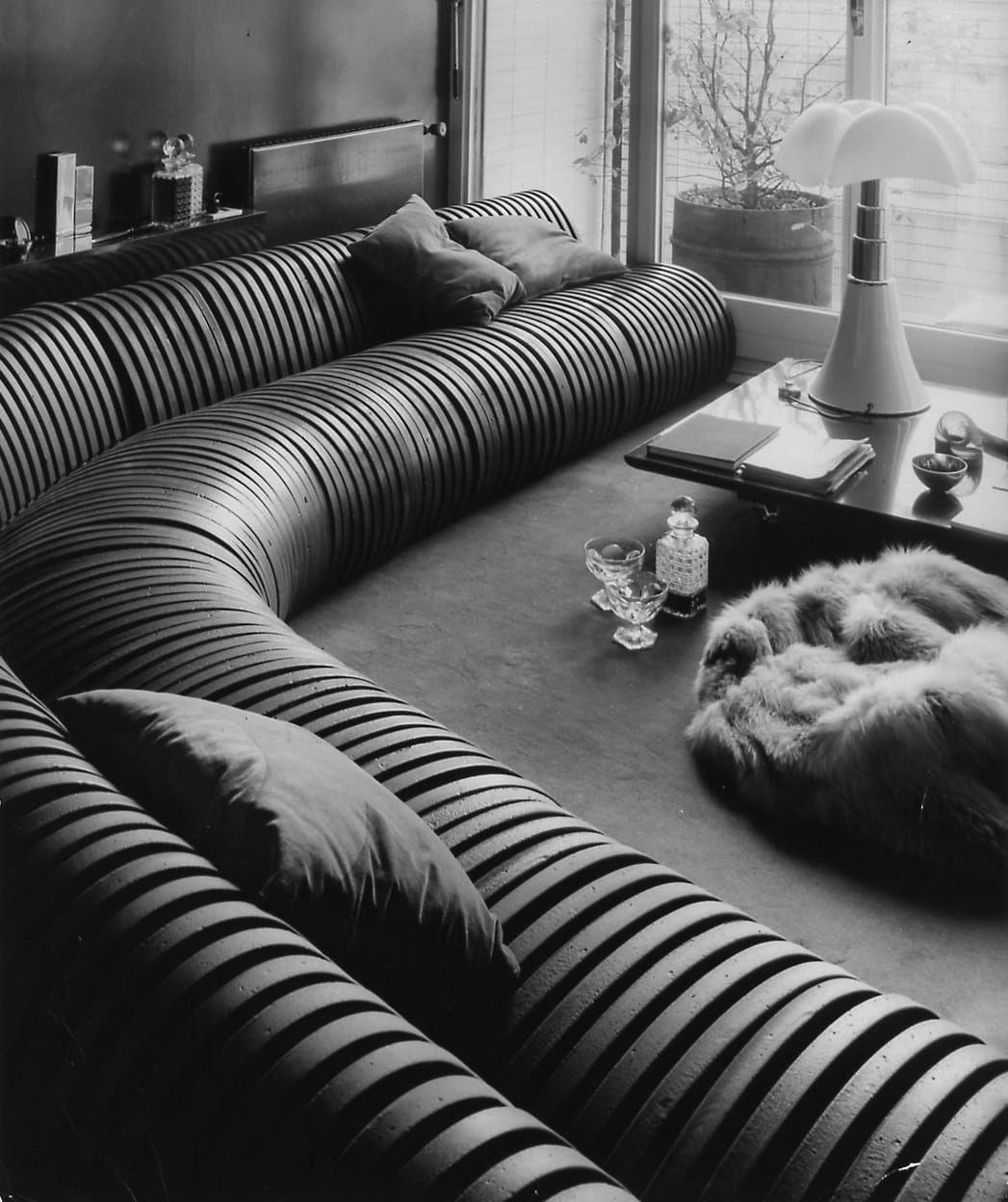 Il Serpentone di Cini Boeri, il divano per tutti che si vende al metro