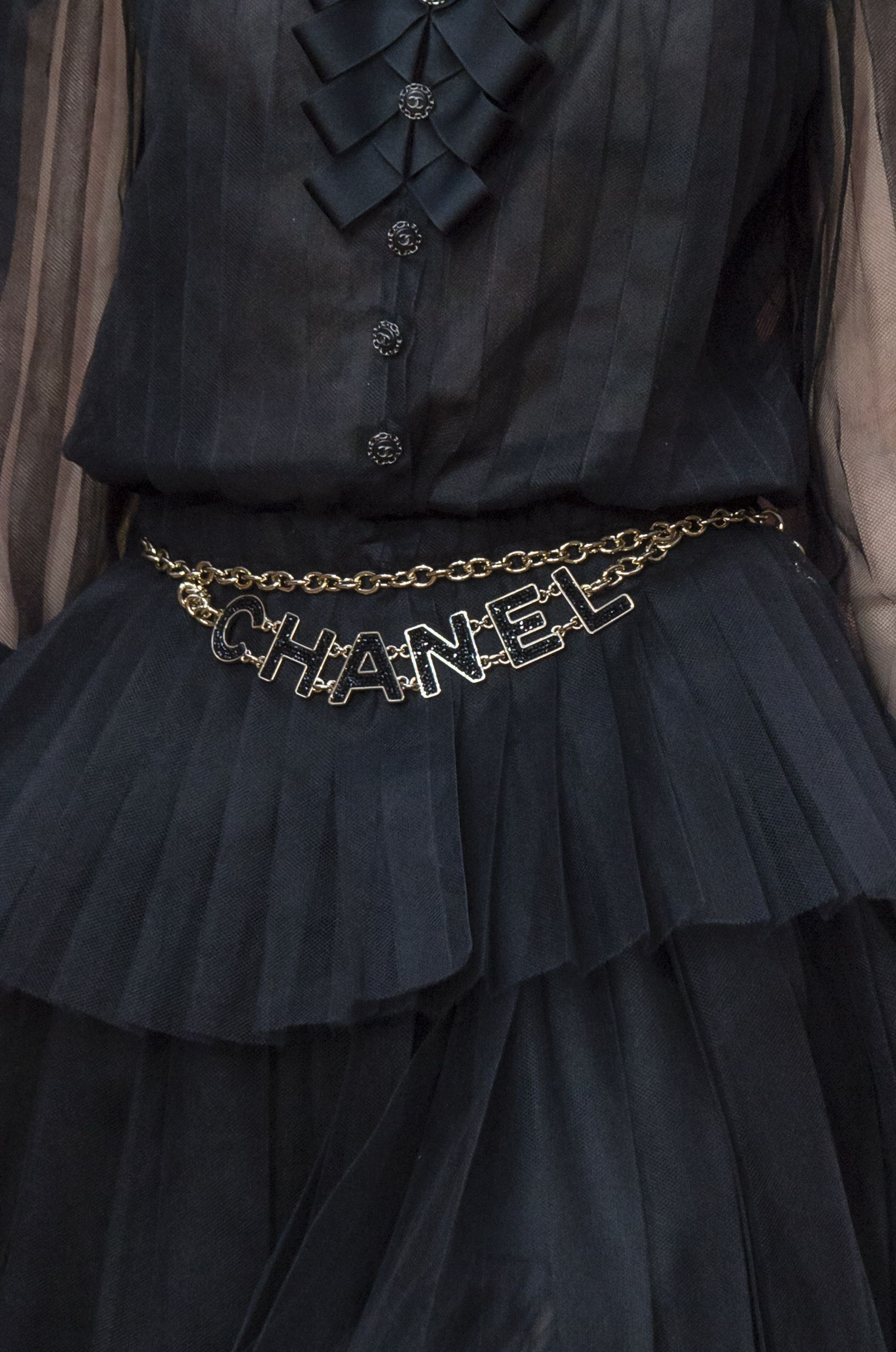 a basso prezzo 4f523 0457b Tendenza Cinture 2018: la cintura di Chanel o le maxi di Miu ...