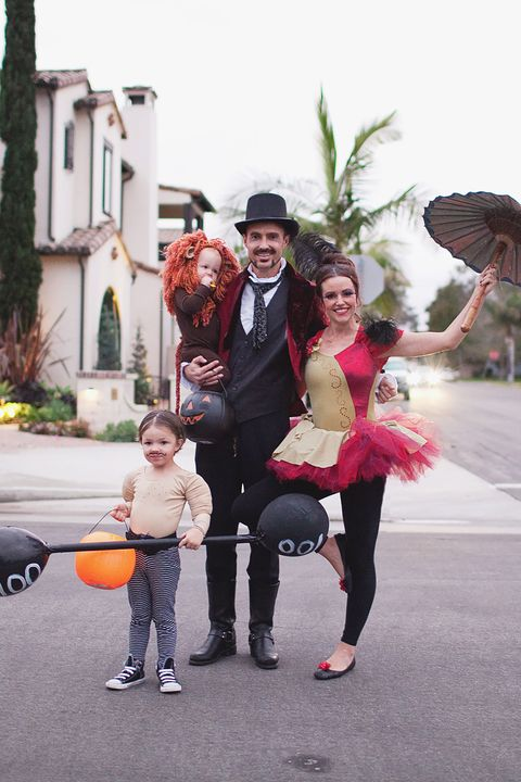 circus family halloween costumes