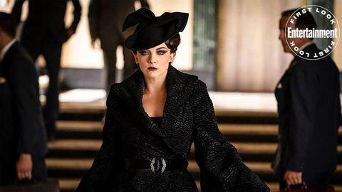 fashion, beauty, hat, street fashion, headgear, fur, fashion accessory, black hair, model, costume,