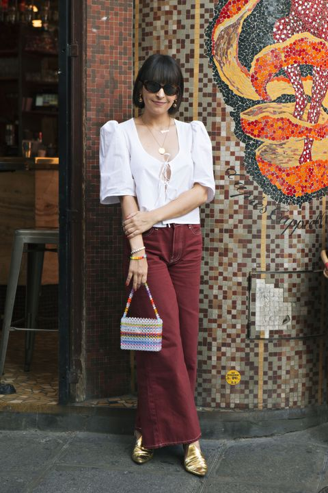 Clothing, Maroon, Snapshot, Fashion, Street fashion, Textile, Formal wear, Blouse, Trousers, Jeans,