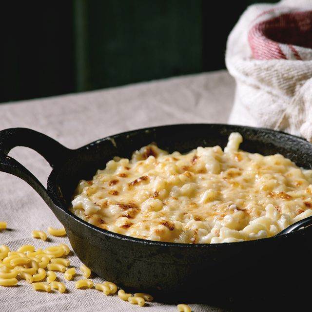 classic american dish baked mac and cheese