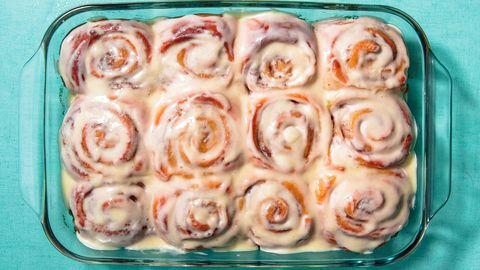 food, cuisine, cinnamon roll, sweet rolls, dish, ingredient, american food, produce, dessert, baked goods,