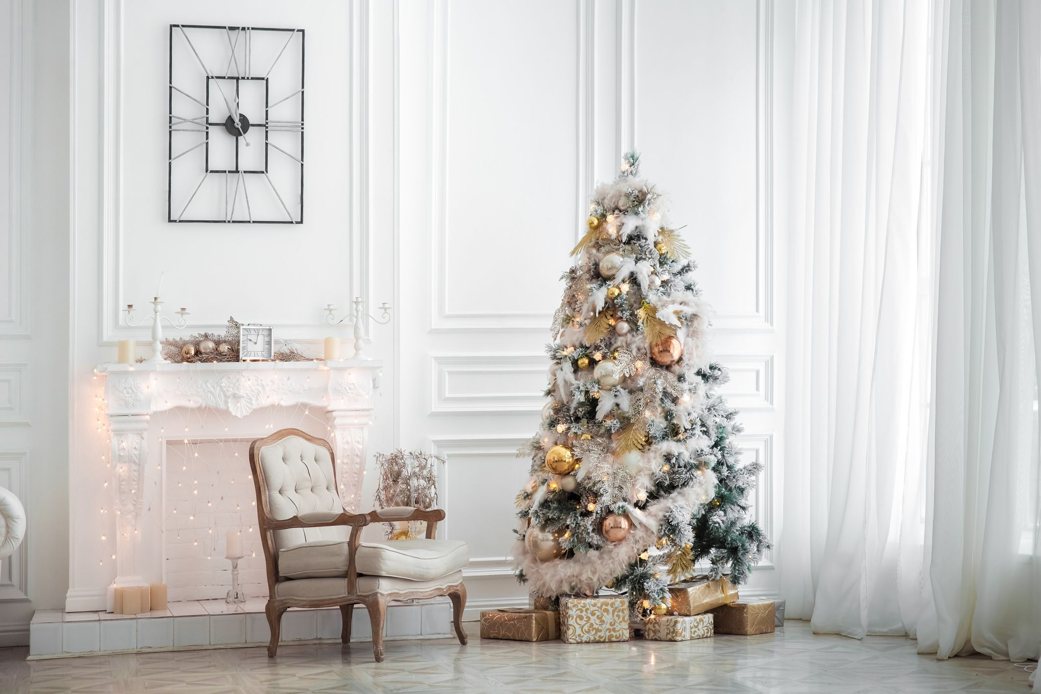 20+ White Christmas Tree Decorations for the Most Magical Holiday Display