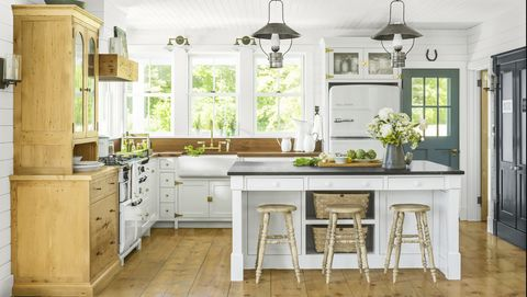 16 Best White Kitchen Cabinet Paints, What Is The Best Cleaner For White Kitchen Cabinets