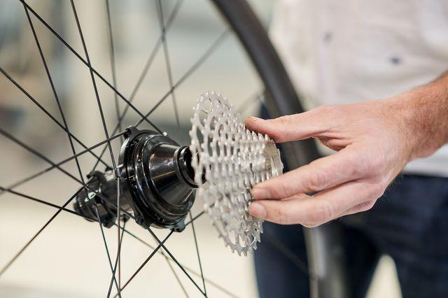 classified cycling lanceert carbonwielen met zijn powershift naaf,  voor race  en gravelfietsen