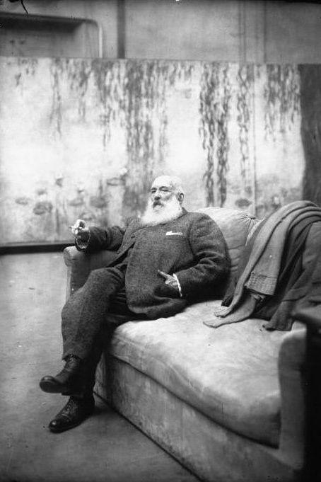 Photograph, Black-and-white, Human, Sitting, Photography, Monochrome, Monochrome photography, Street, Style,