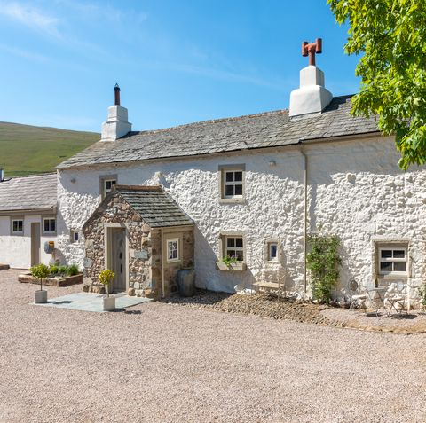 Rustic countryside house for sale