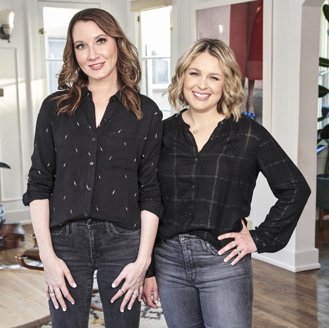 get organized with the home edit l to r clea shearer and joanna teplin in episode 103 of get organized with the home edit cr jenna peffleynetflix © 2020