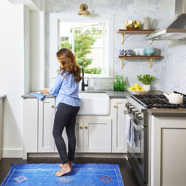 People Cleaning Kitchen: Things You Should Clean Every Day