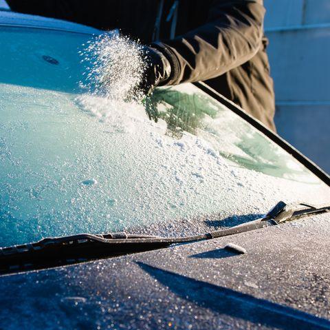 Cleans frozen windshield