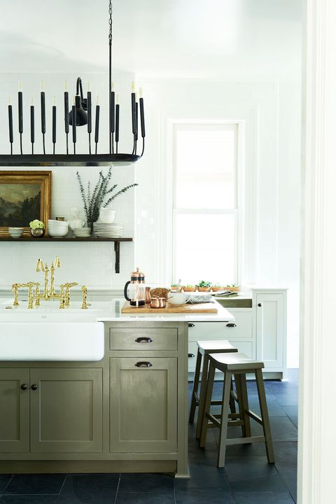 13 Chic French-Country Kitchens - Farmhouse Kitchen Style ...