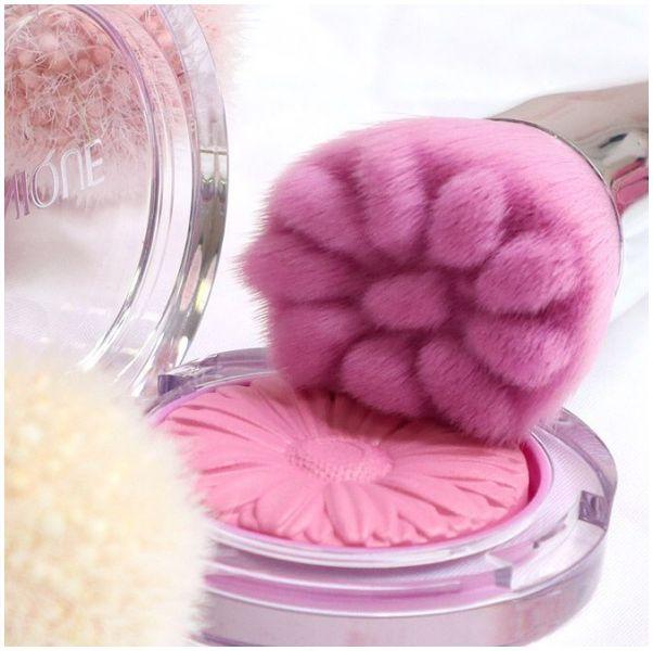 倩碧CLINIQUE推出仙氣新色#BabyMarble同步推出花瓣刷具