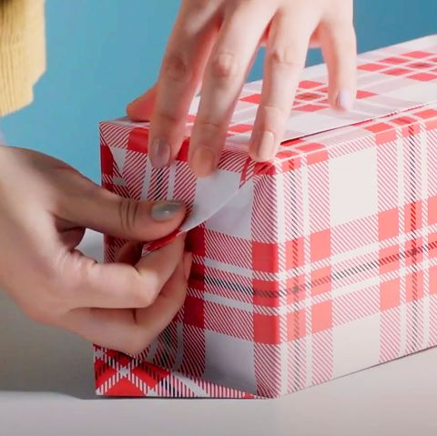 zamknij otwarte końce papieru pakowego