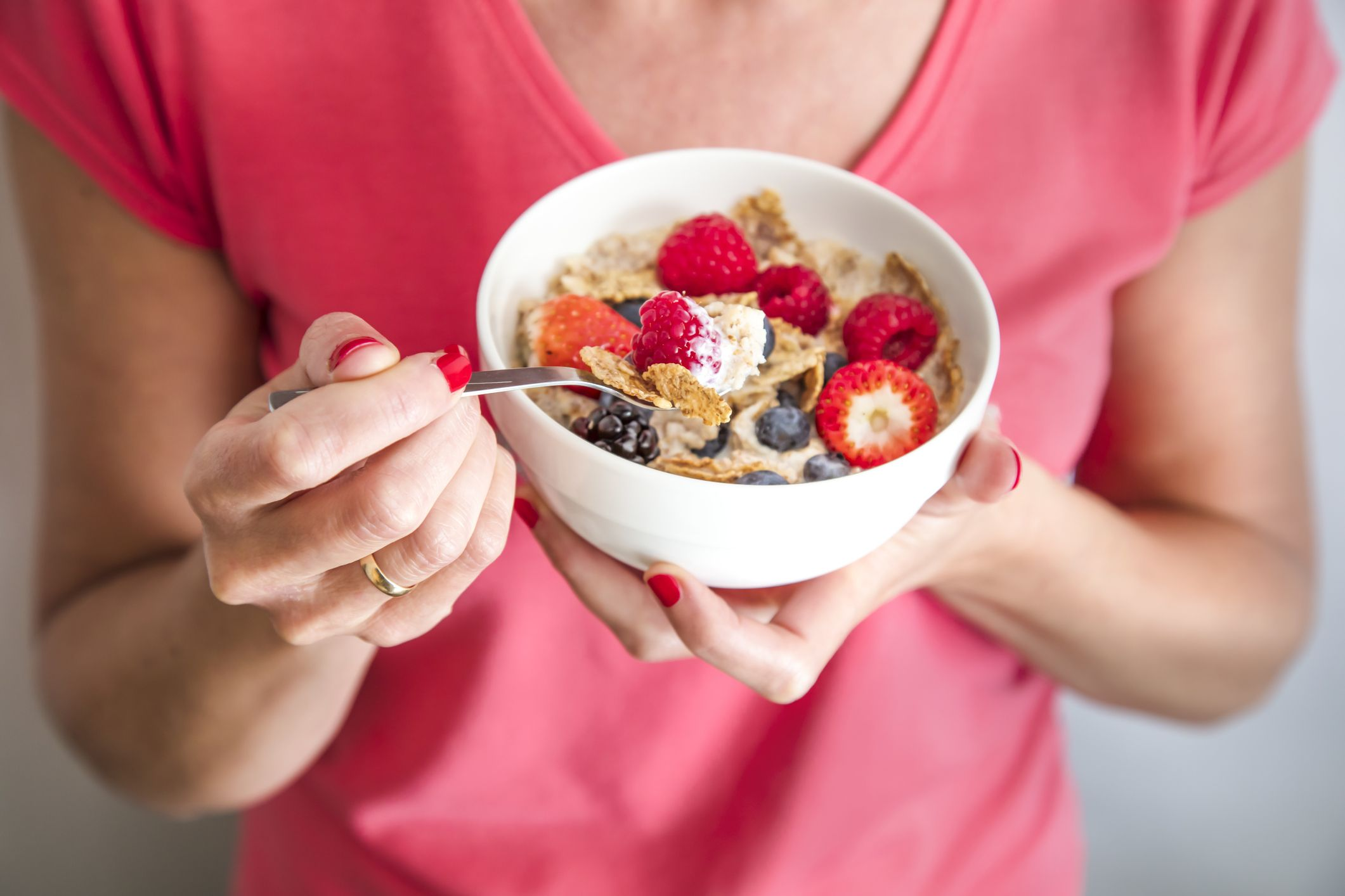 What Happens If You Eat Too Much Fiber? A Doctor Weighs In