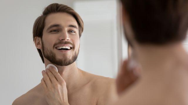 市販のメンズボディクリーム おすすめ10選【乾燥肌を保湿・匂い重視の男性にも】