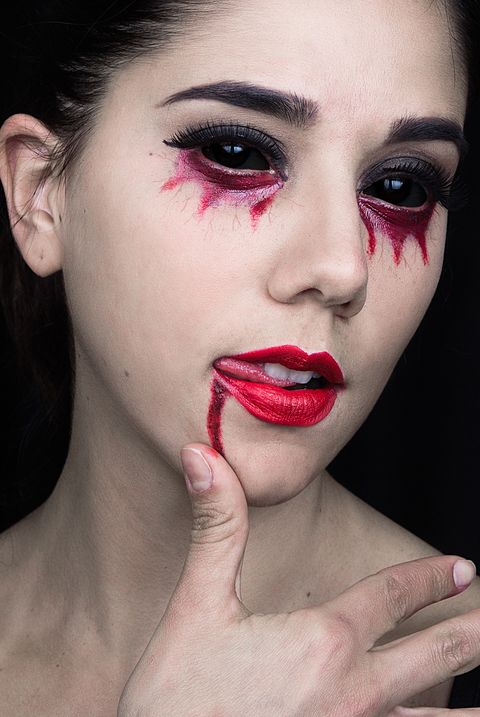 scary vampire makeup