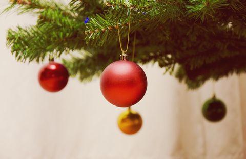 hanging christmas tree lights bottom to top