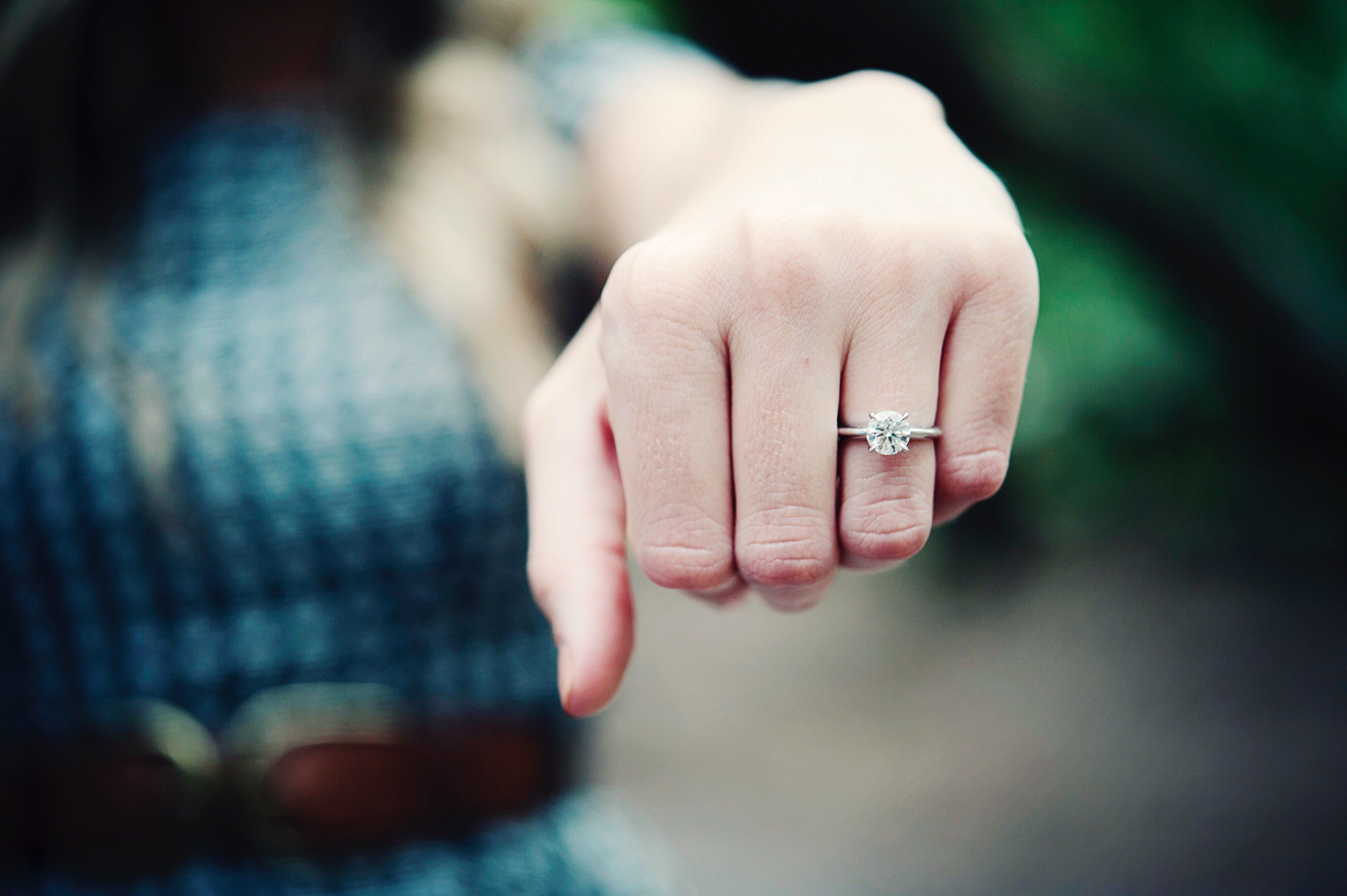 These Are the 7 Emotional Benchmarks You Should Hit Before Getting Engaged