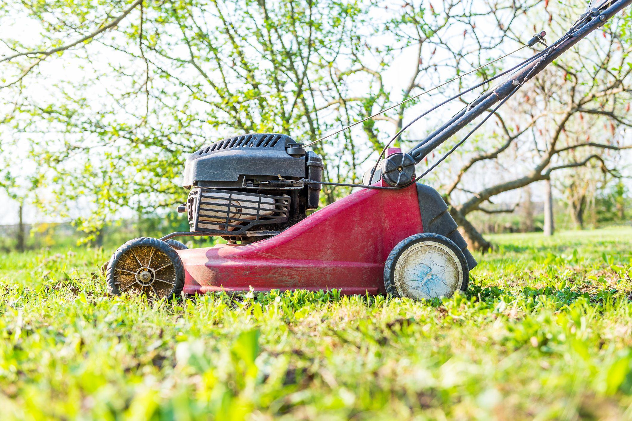 Blades on a Lawn Mower | Blade Sharpening