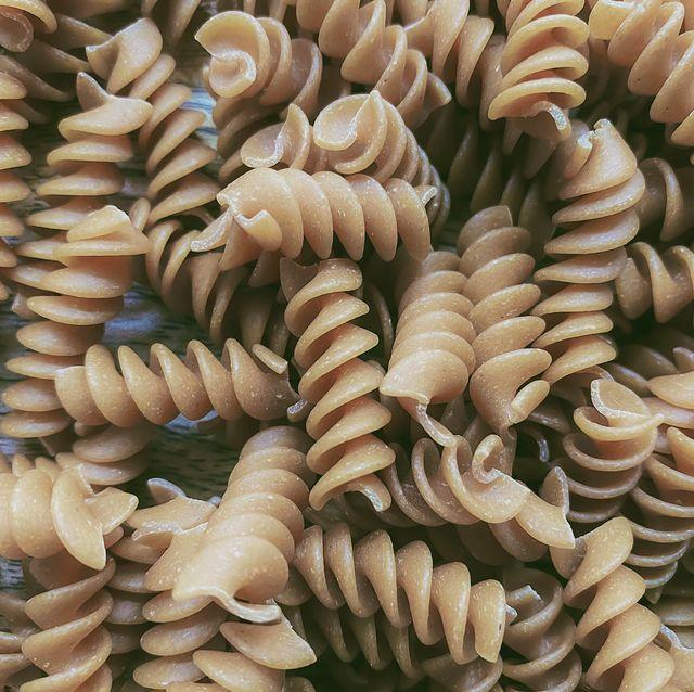 close up of whole wheat rotini pasta