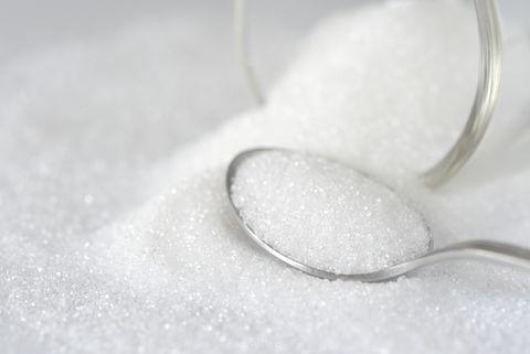 糖罐子打翻Close-Up Of Spoon In Sugar