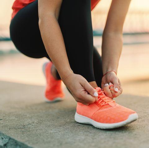 can coronavirus spread through shoes
