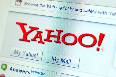 Close-up of the Yahoo homepage.