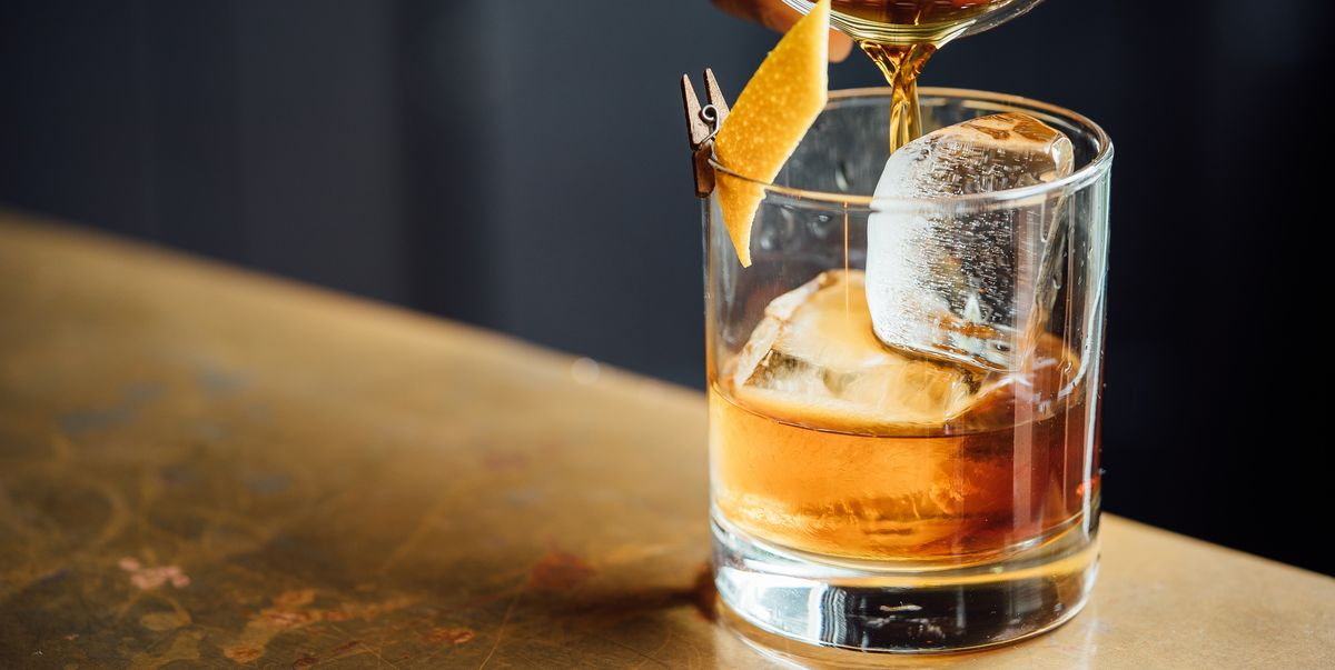 How To Make An Old-Fashioned In Two Easy Steps