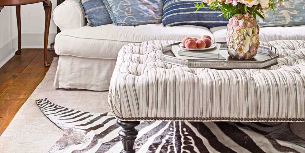 15 Best Ottoman Coffee Tables Leather Round And Tufted - Are Ottoman Coffee Tables Still In Style