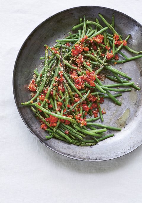a low country shrimp boil chef whitney otawka cast iron filet beans