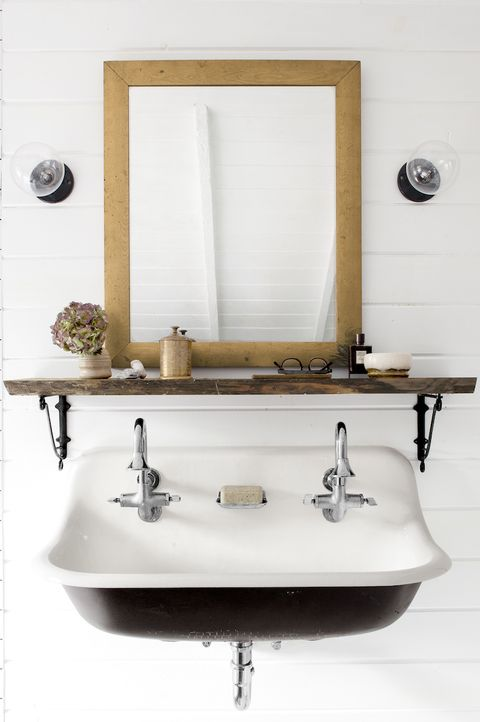 country chic bathroom decor