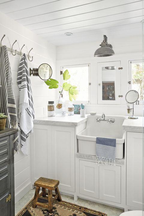 25 Bathroom Storage Ideas - Best Small Bathroom Storage ...